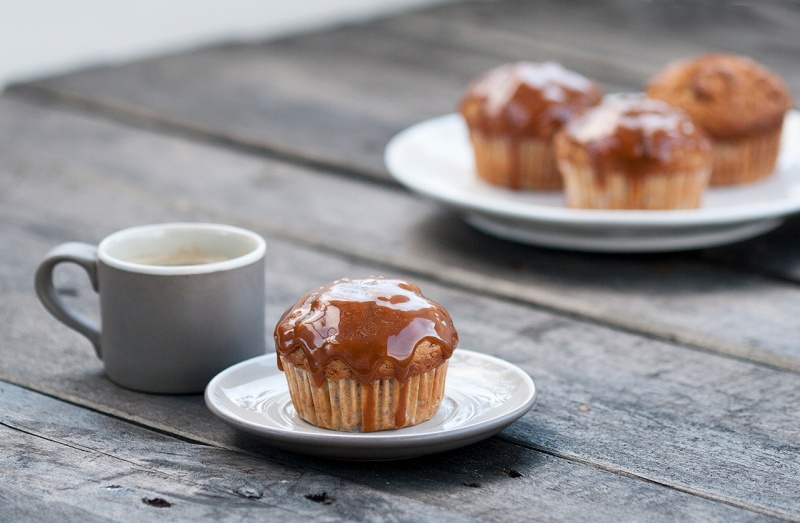 banana muffins with caramel