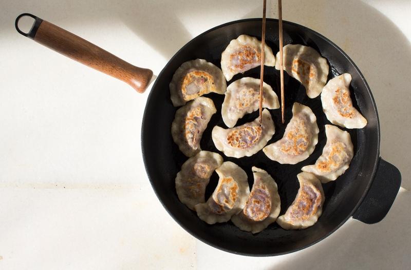 cabbage dumplings pan frying