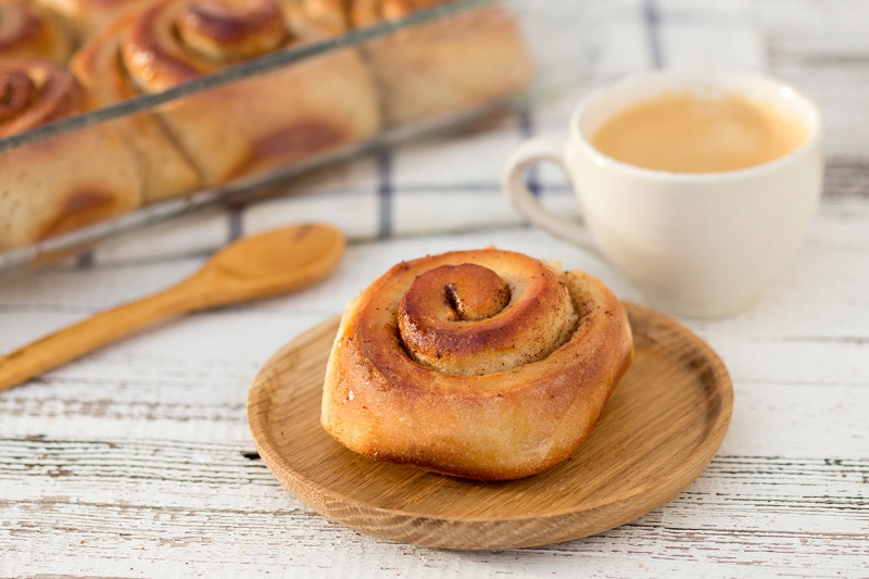 cinnamon bun and coffee