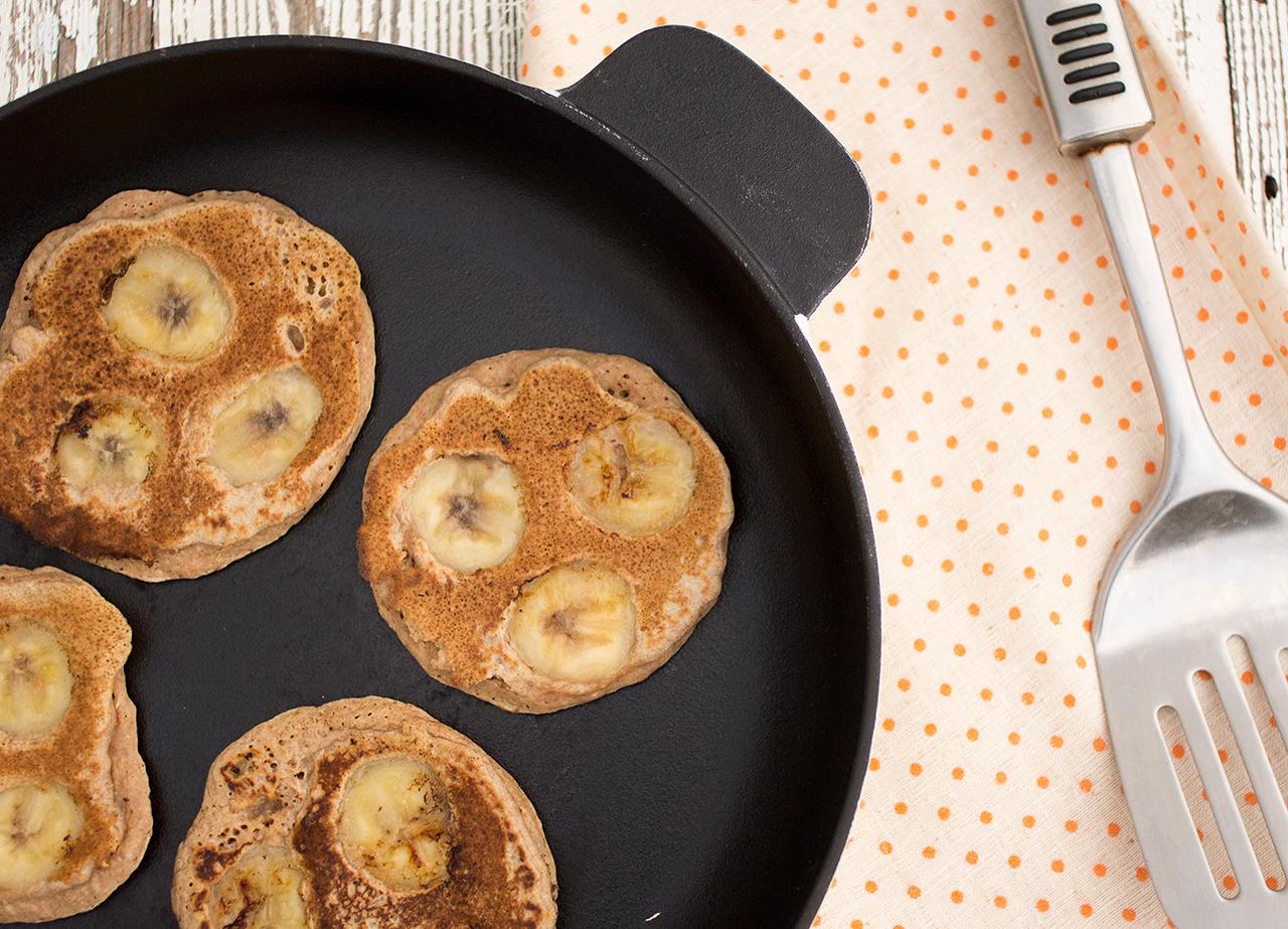 frying banana pancakes
