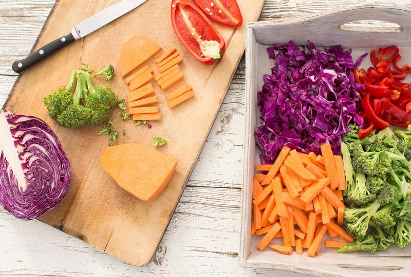 rainbow stir fry chopping veg