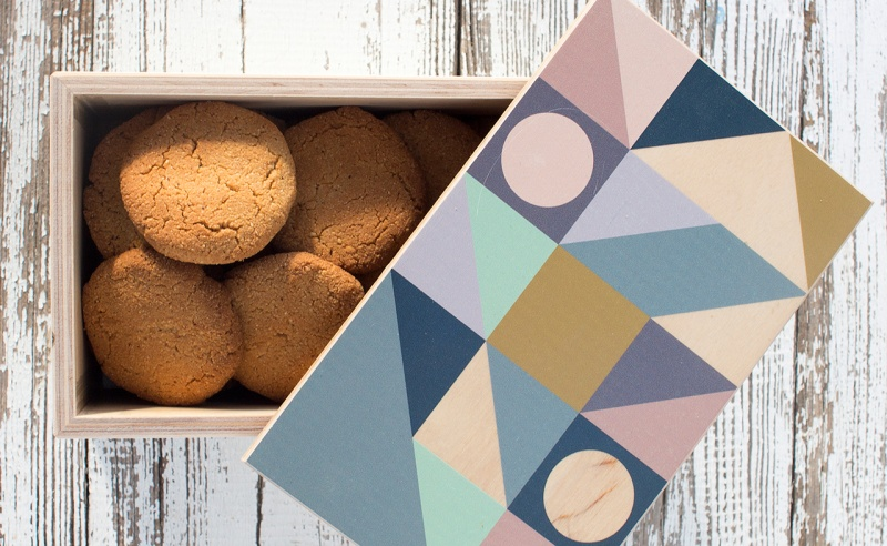 box of almond ginger cookies
