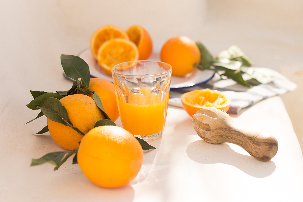 świeżo wyciśnięty sok z pomarańczy