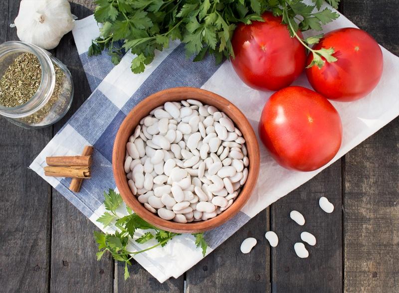greek baked beans ingredients