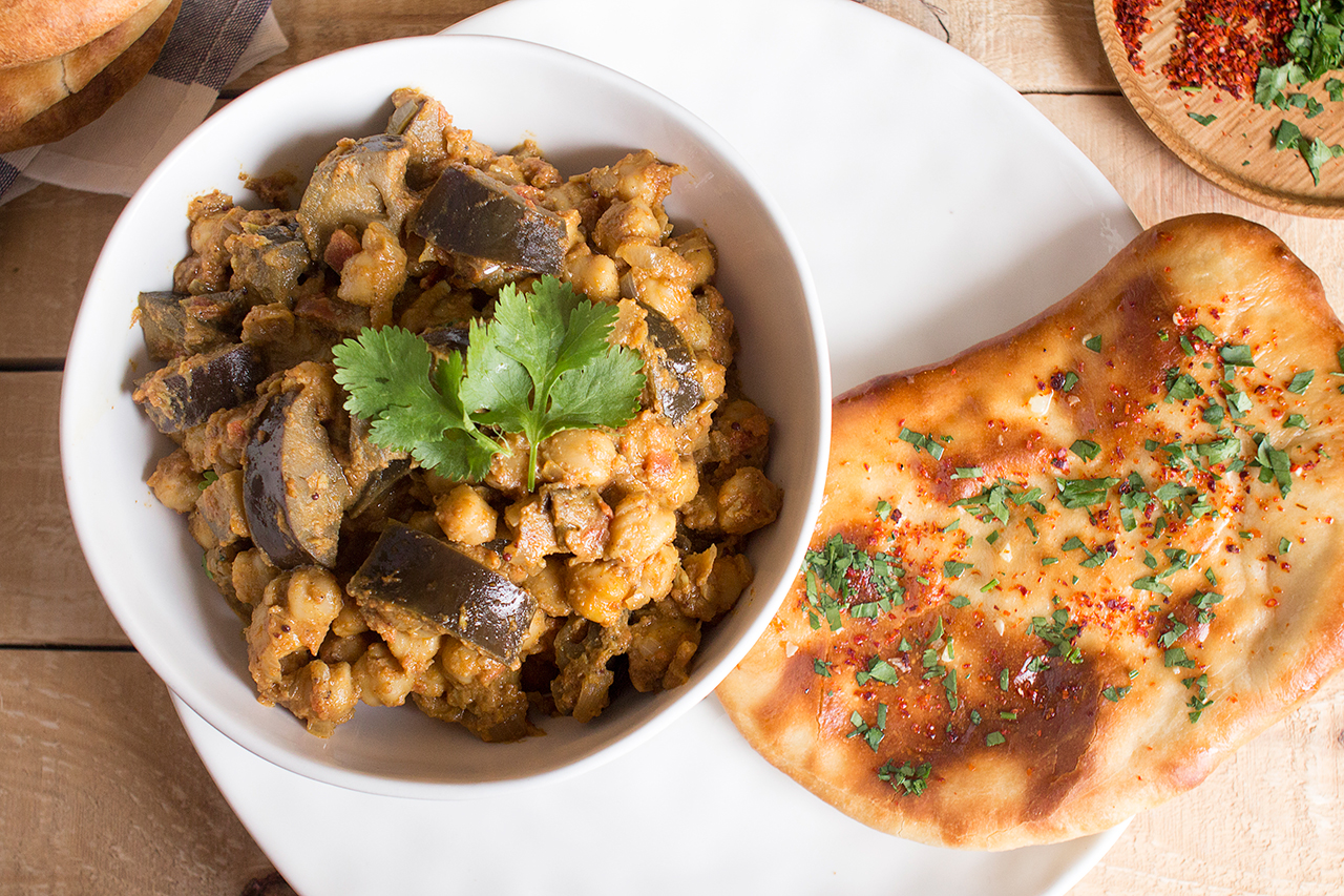 chleb naan z curry