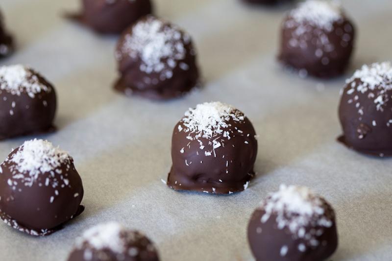 vegan coconut truffles with rum