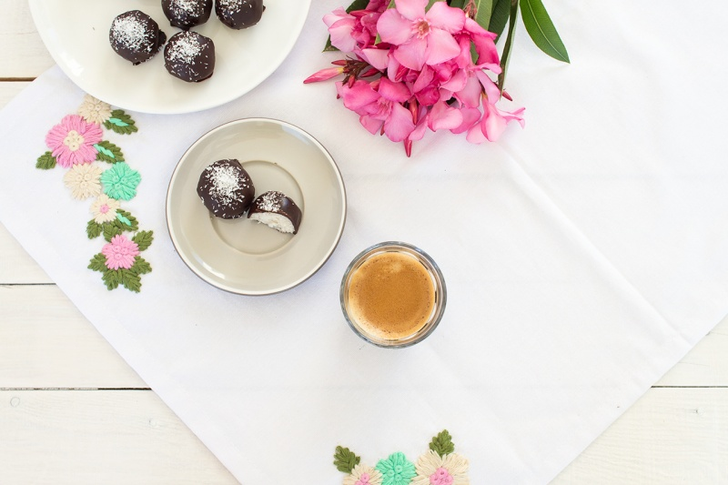 vegan coconut truffles rum and with espresso-top-down