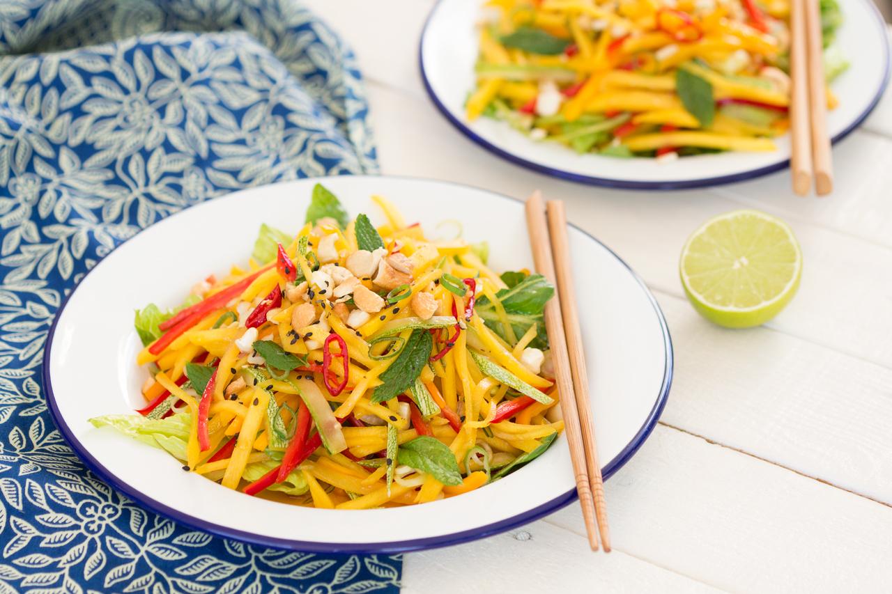 tajska sałatka z mango dla dwojga
