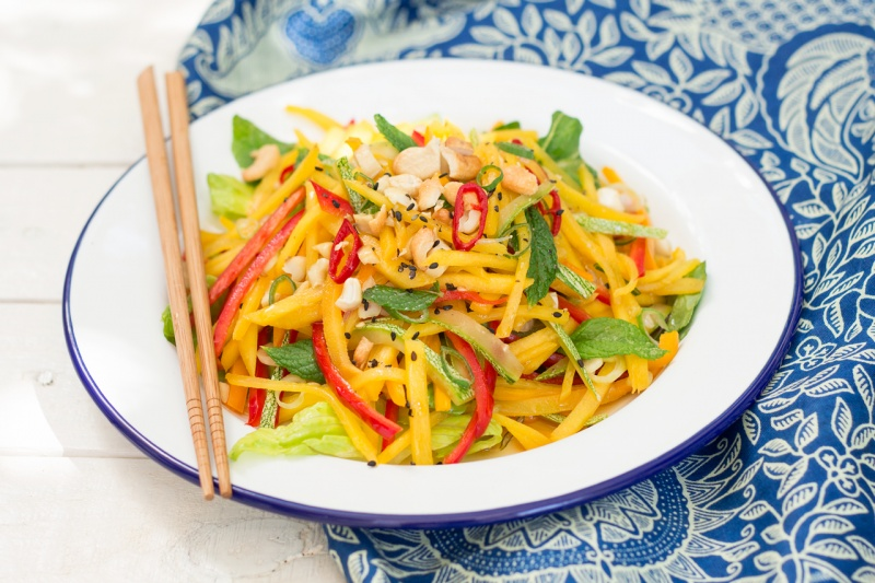 thai mango salad portion
