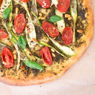vegan pizza close up
