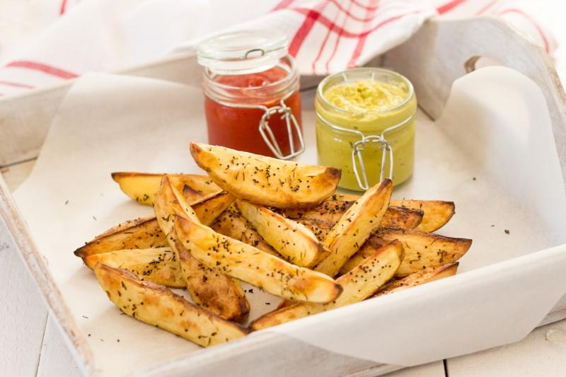 potato wedges with wasabi dip