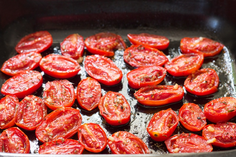 roasted garlicky tomatoes