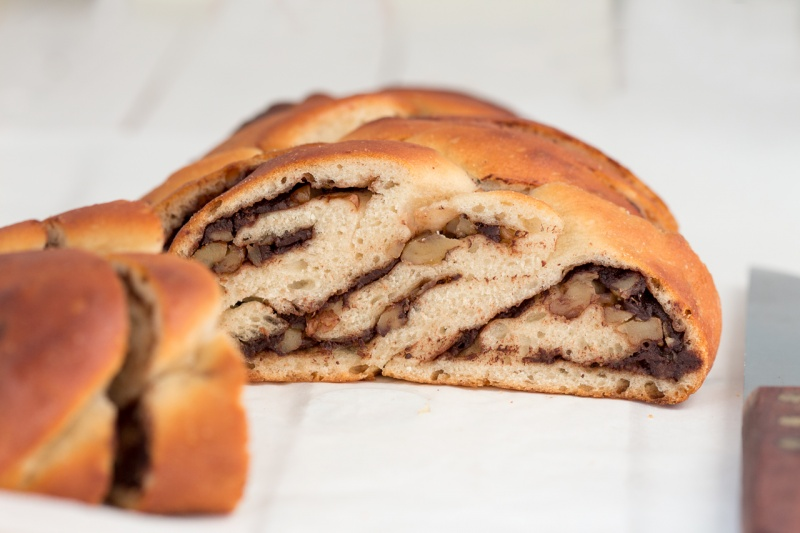 chocolate walnut vegan challah cross section