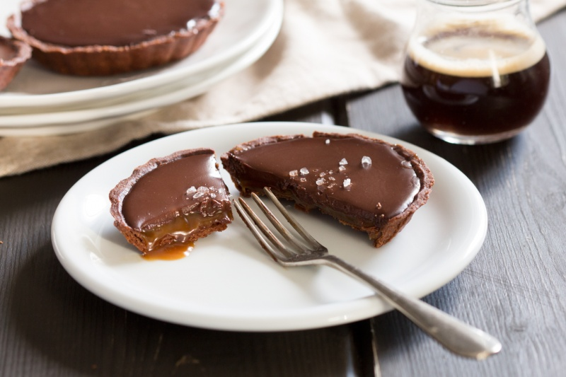 vegan chocolate and salted caramel tart cut open