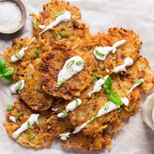 vegan latkes with cashew sour cream