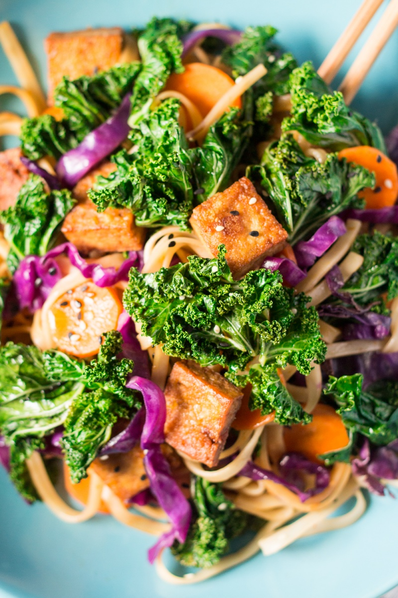 Miso-maple noodles with kale and crispy tofu - Lazy Cat Kitchen