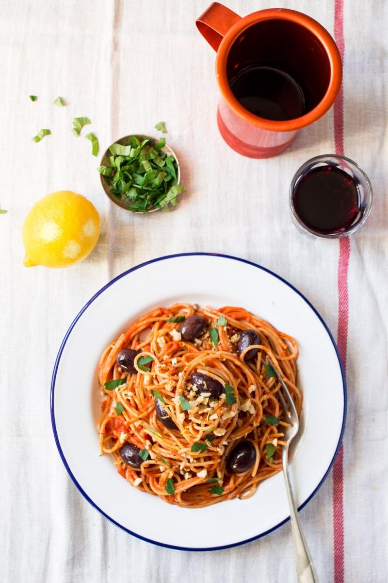 vegan tomato sauce pasta top down