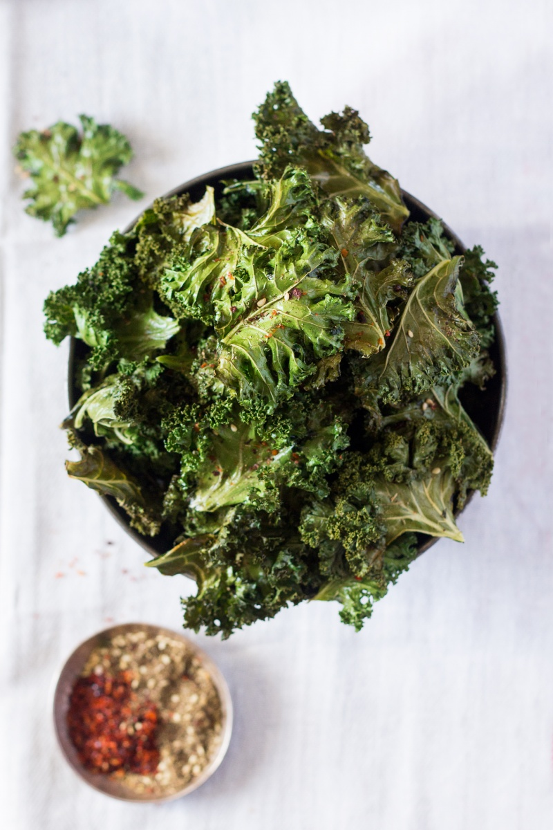 vegan kale chips with zaatar