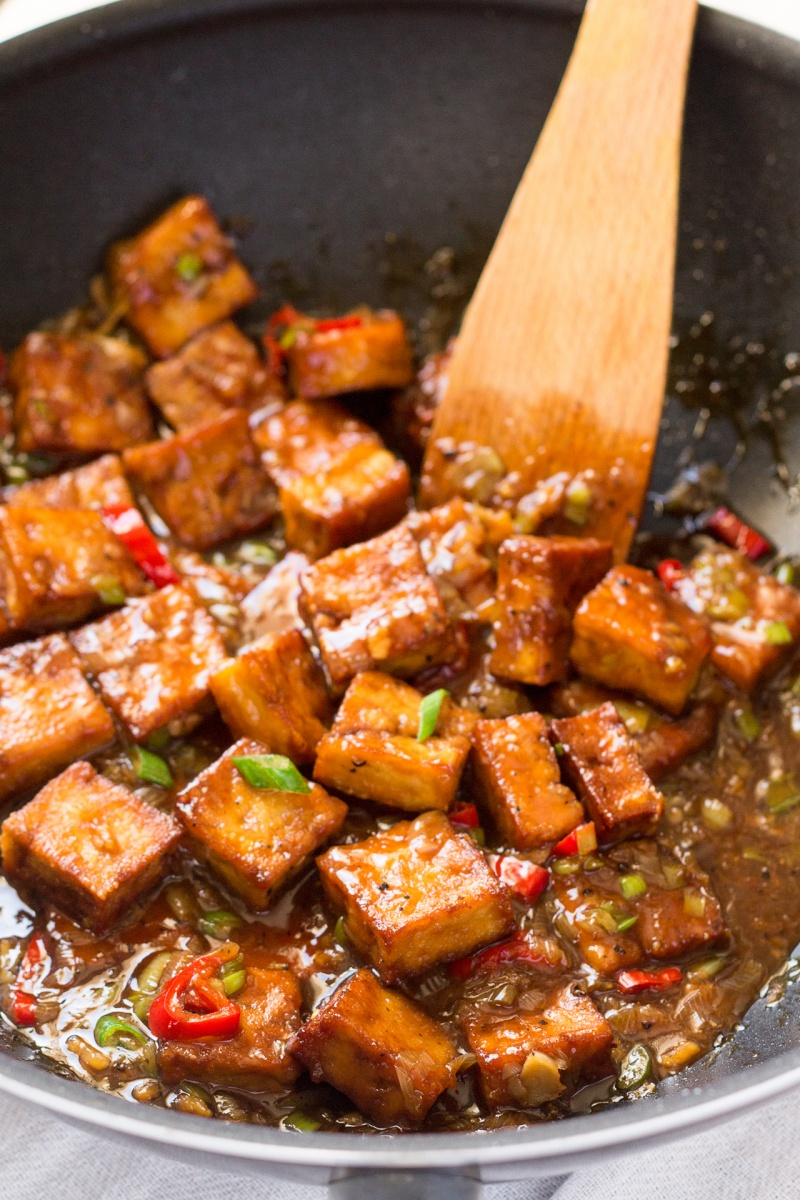 vegan black pepper tofu being made