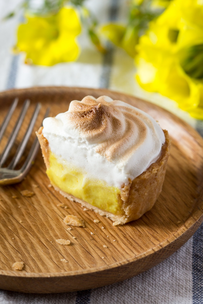 vegan lemon meringue pie cross section