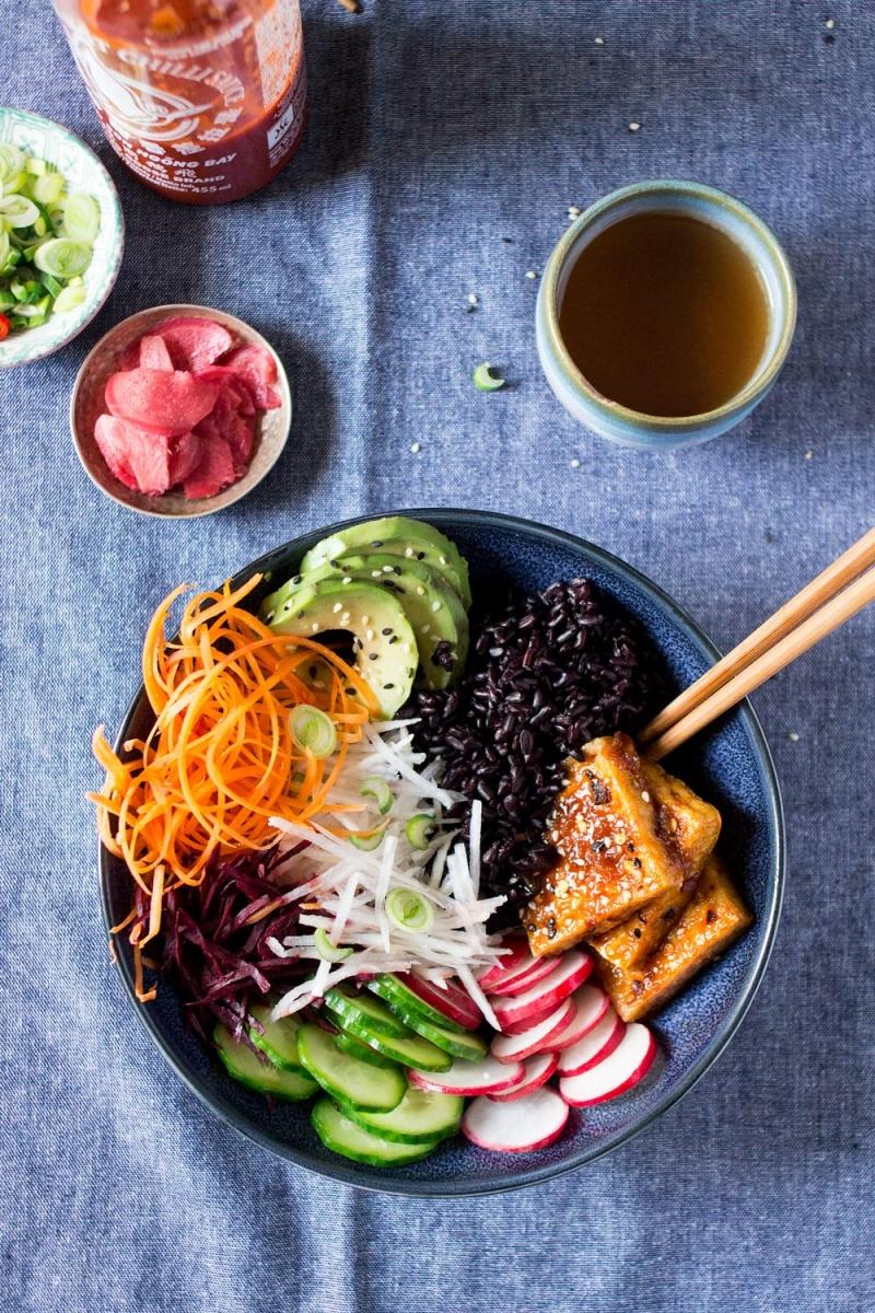 Vegan sushi bowl - Lazy Cat Kitchen