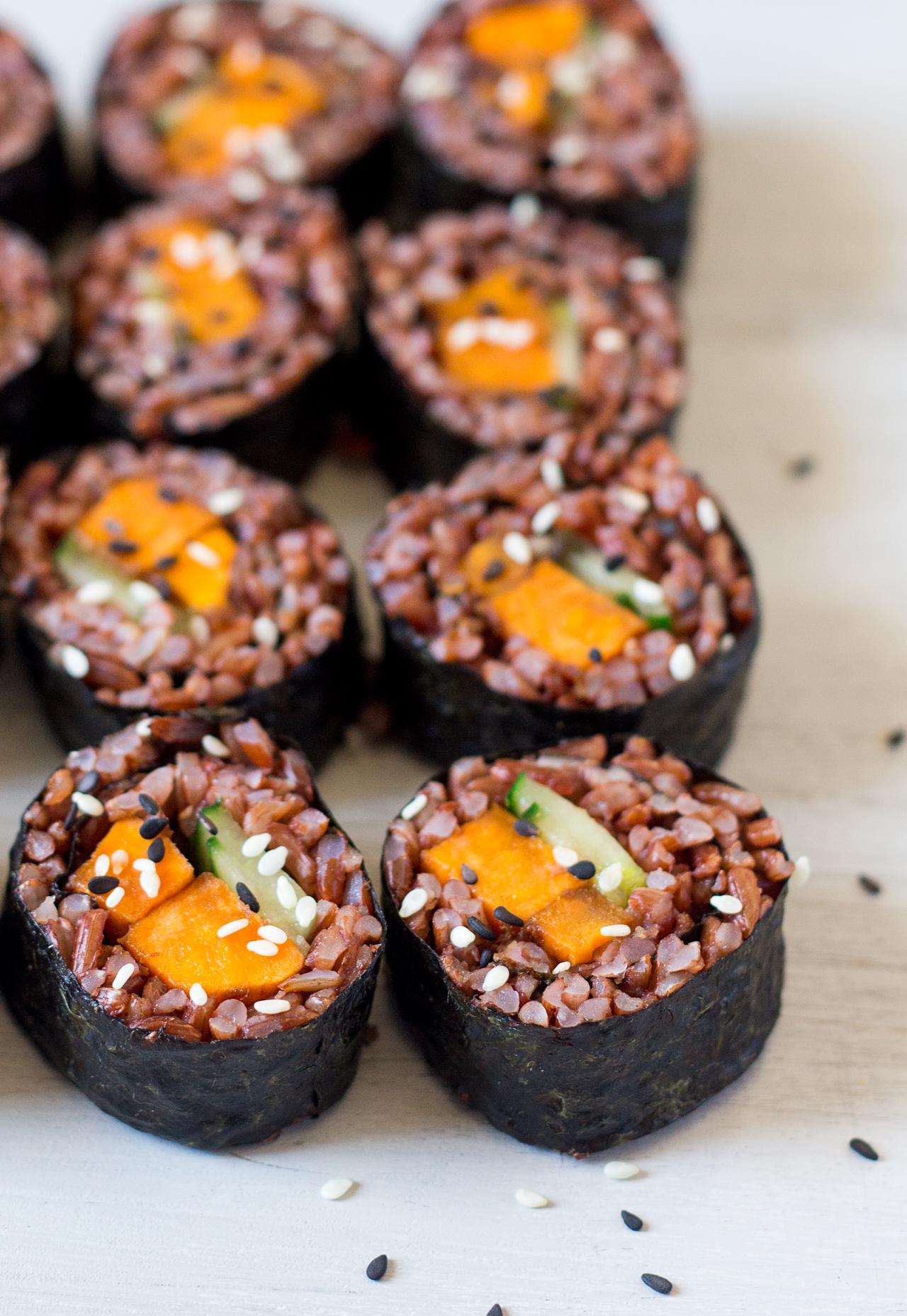 sushi z batatem w marynacie miso osiem kawałków
