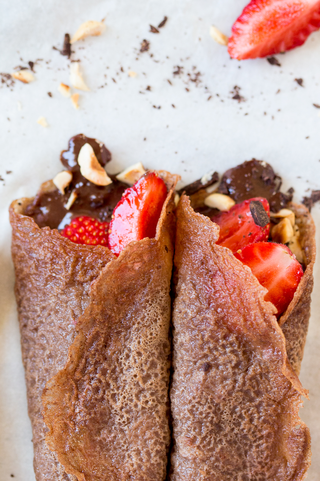 vegan chocolate crepes with strawberries portion
