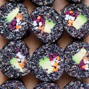 veggie quinoa sushi close up