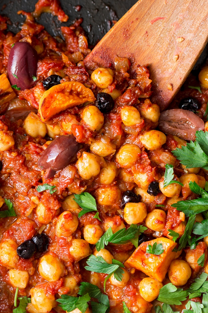 moroccan chickpea stew pan