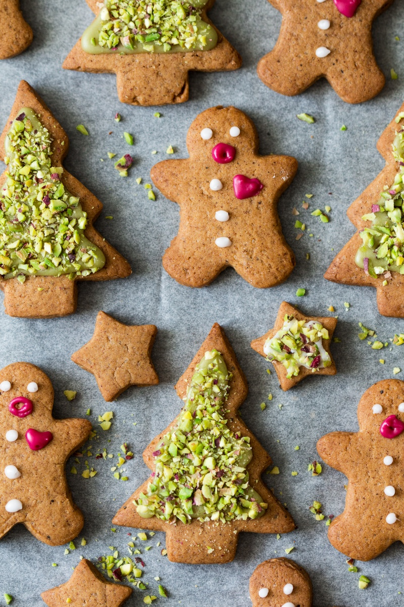 vegan gingerbread men and trees