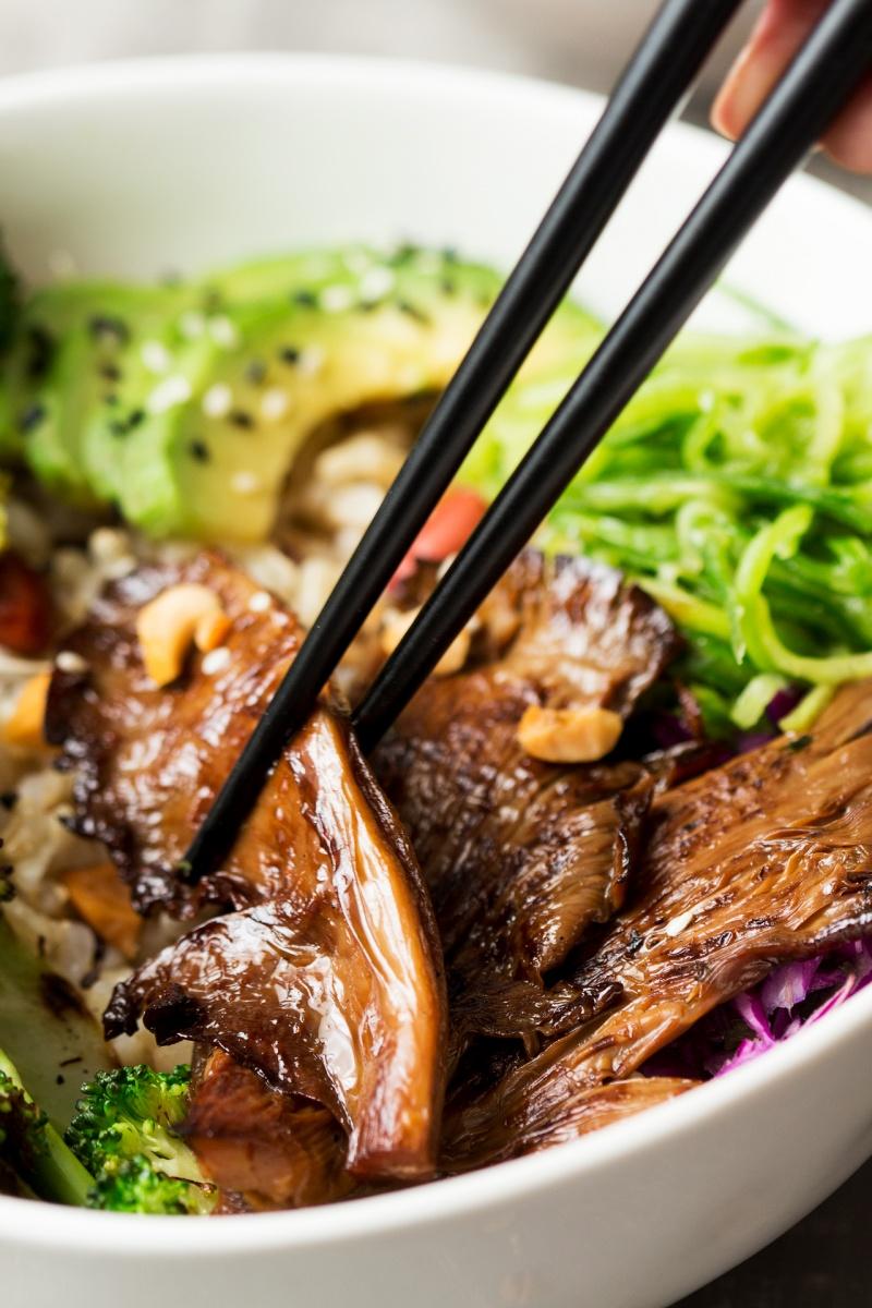 asian veggie bowl close up