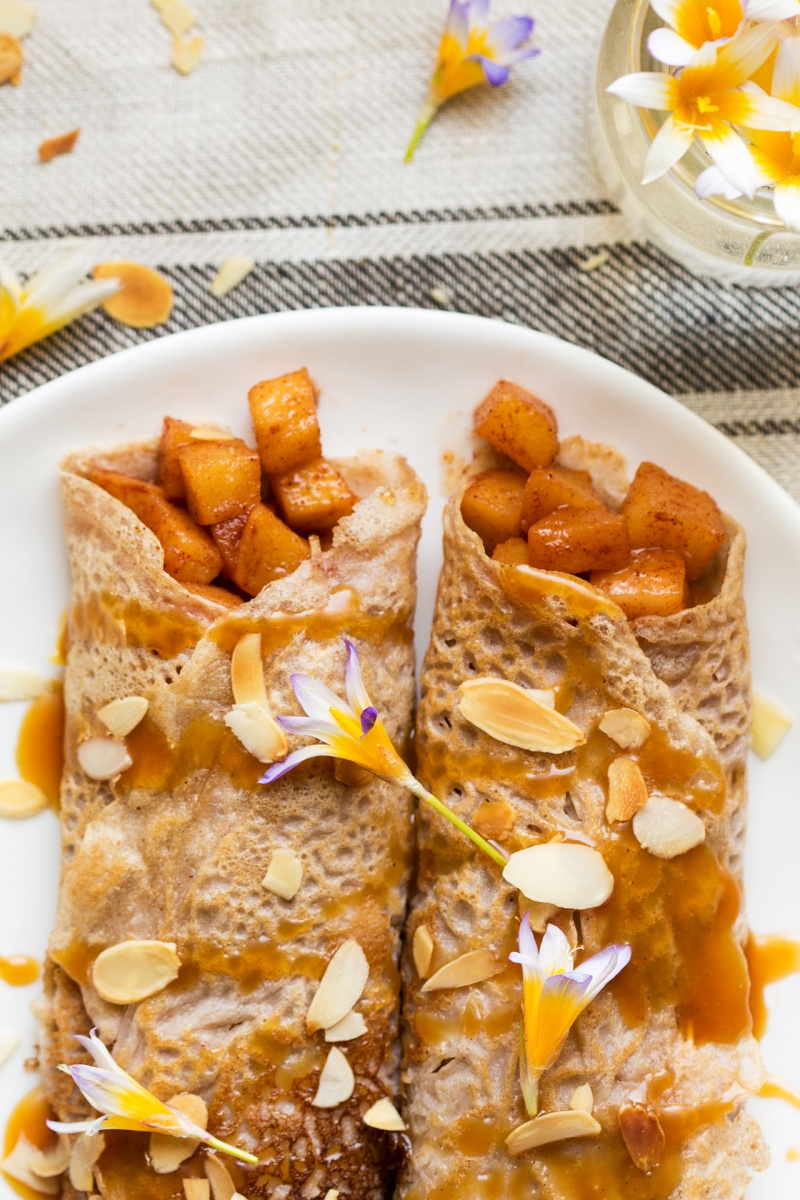 eggless crepes cinnamon apples caramel plate