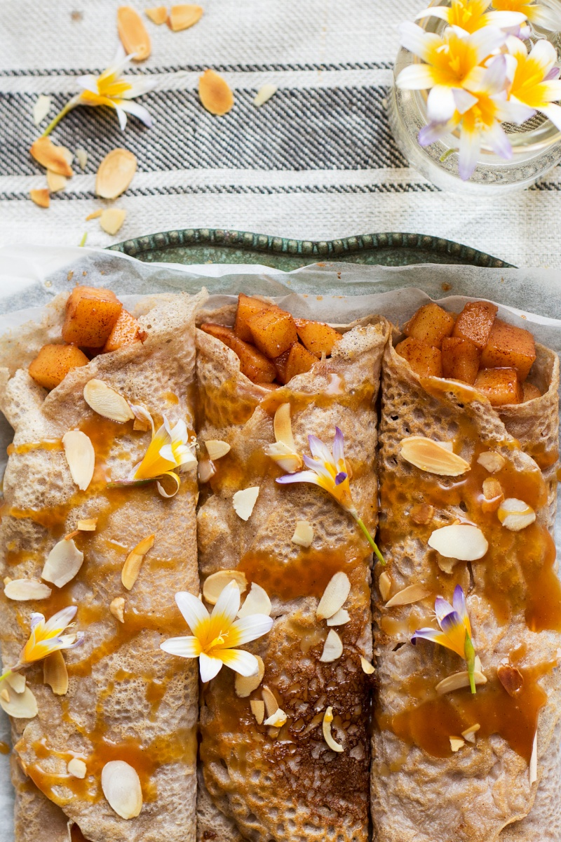 eggless crepes cinnamon apples caramel topdown