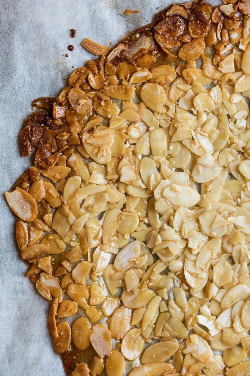 no bake vegan cheesecake jars almond brittle