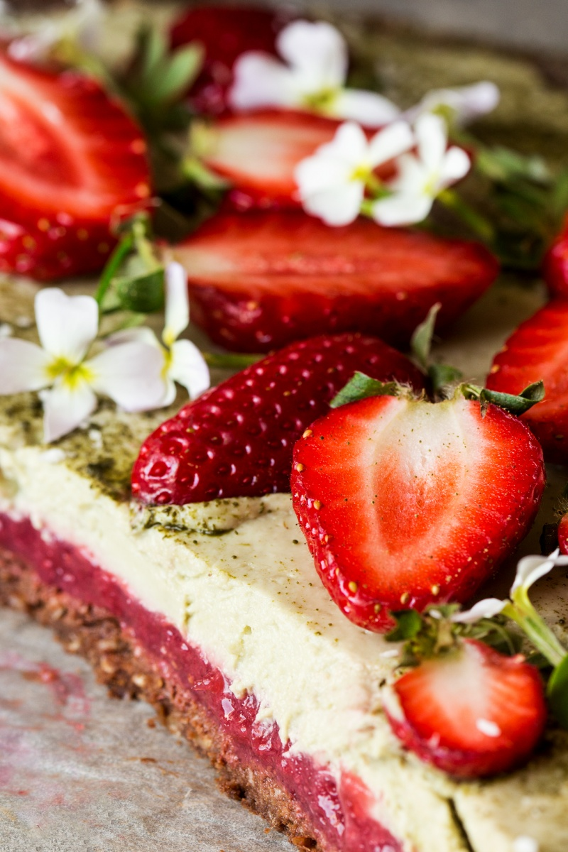 vegan matcha strawberry tart cut
