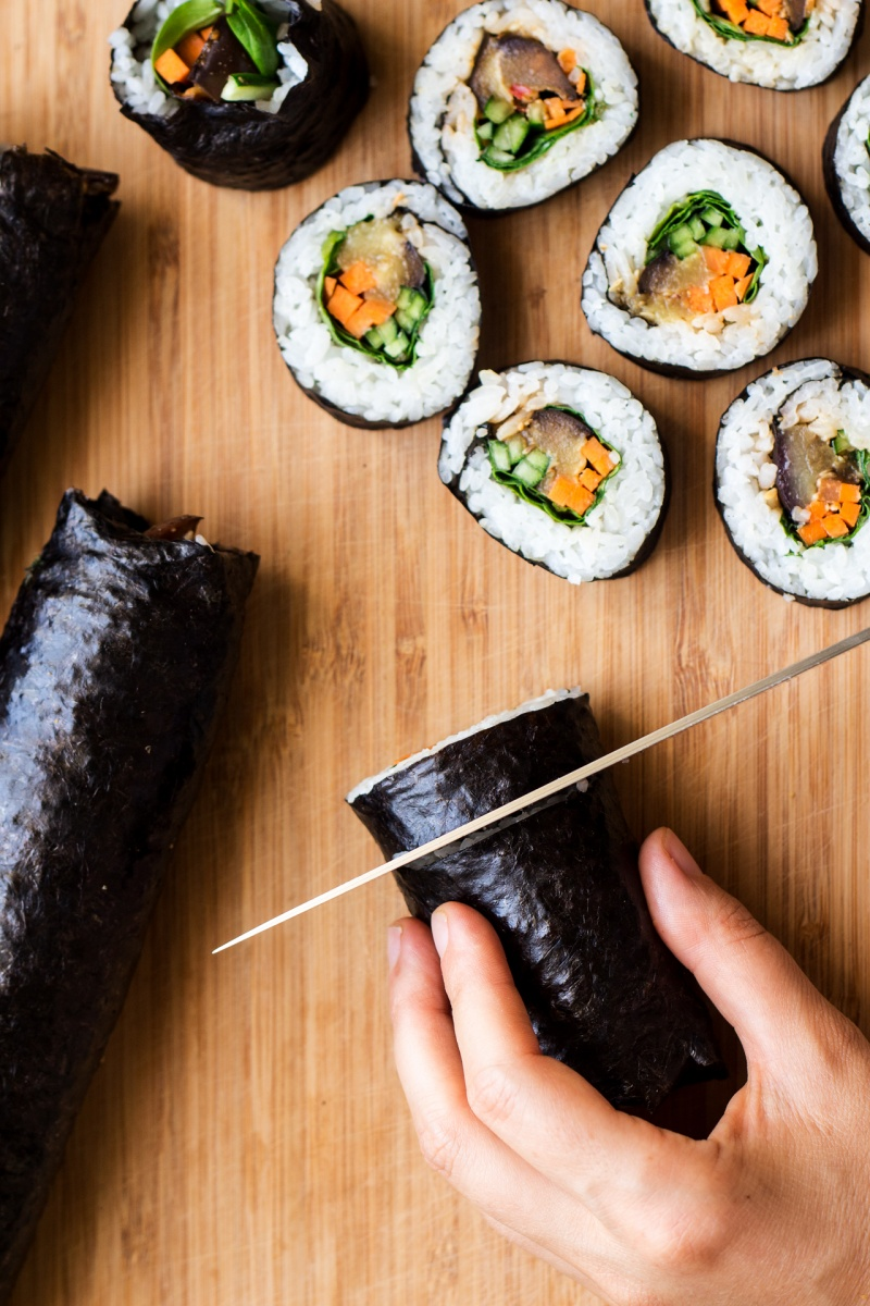 eggplant sushi cutting
