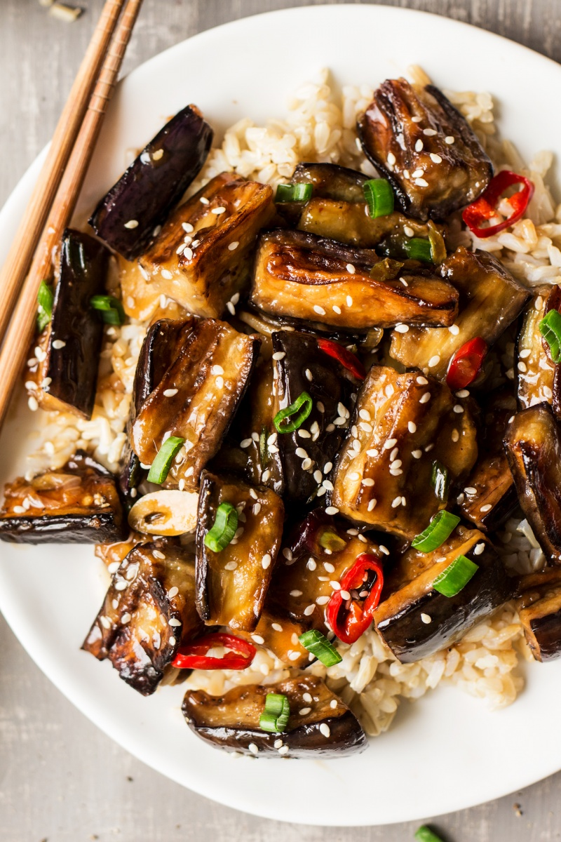 vegan chinese aubergine macro