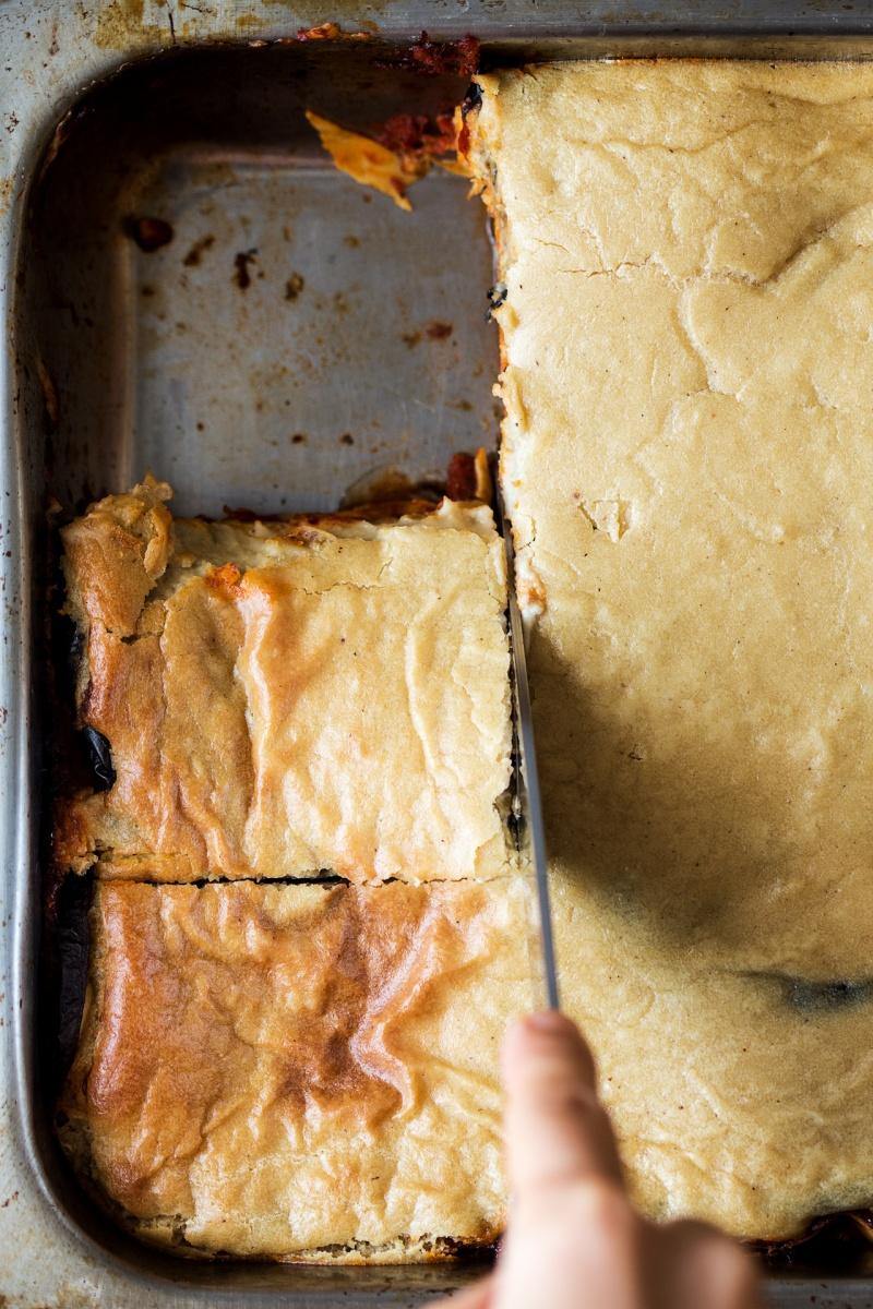 vegan lasagna cutting