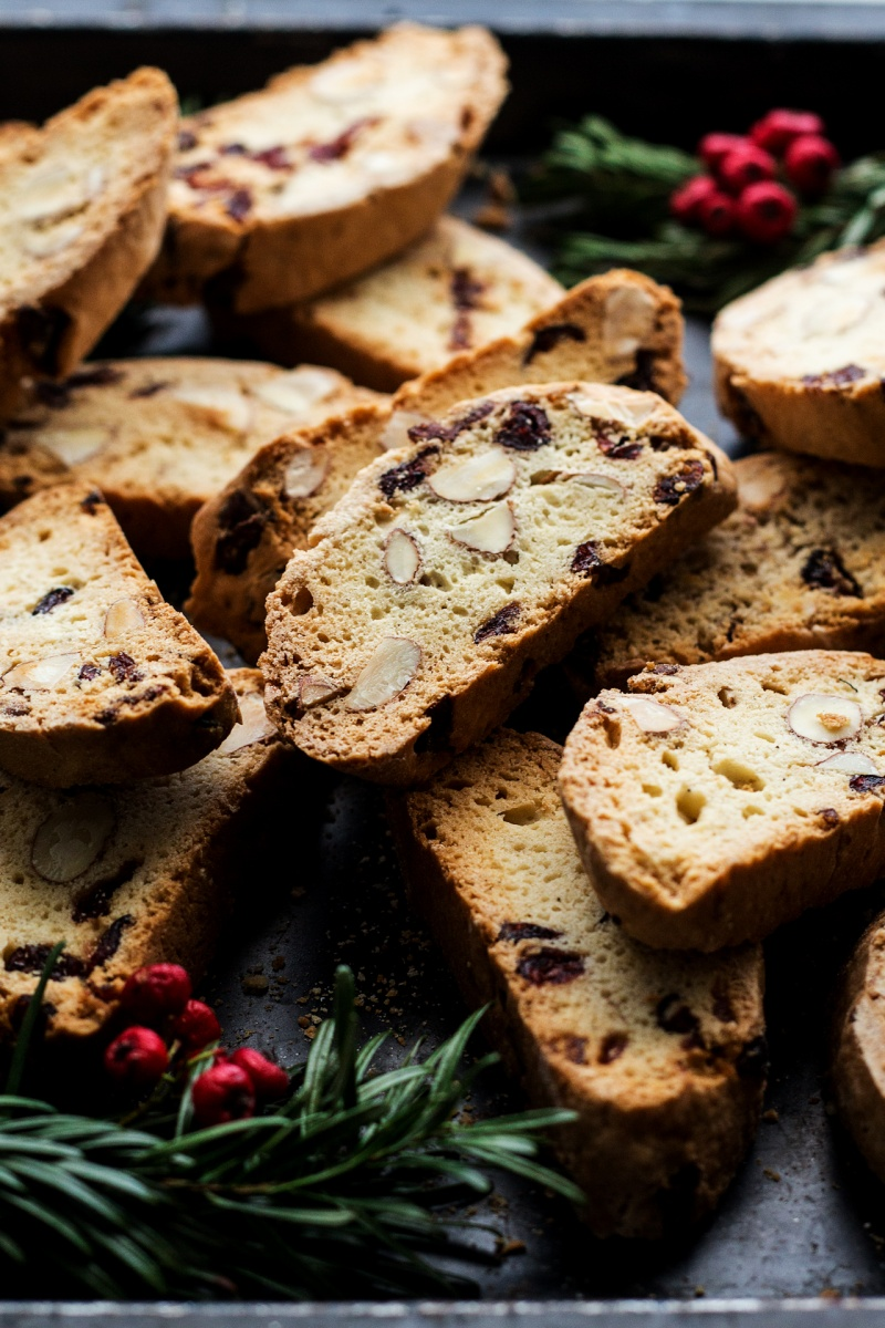 eggless biscotti presentation close up