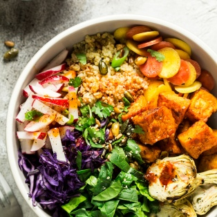 sunny veggie bowl harissa dressing portion
