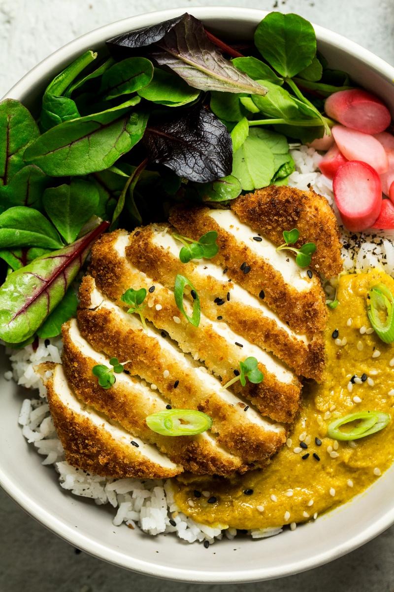 [عکس: vegan-katsu-tofu-cutting-portion-close-800x1200.jpg]