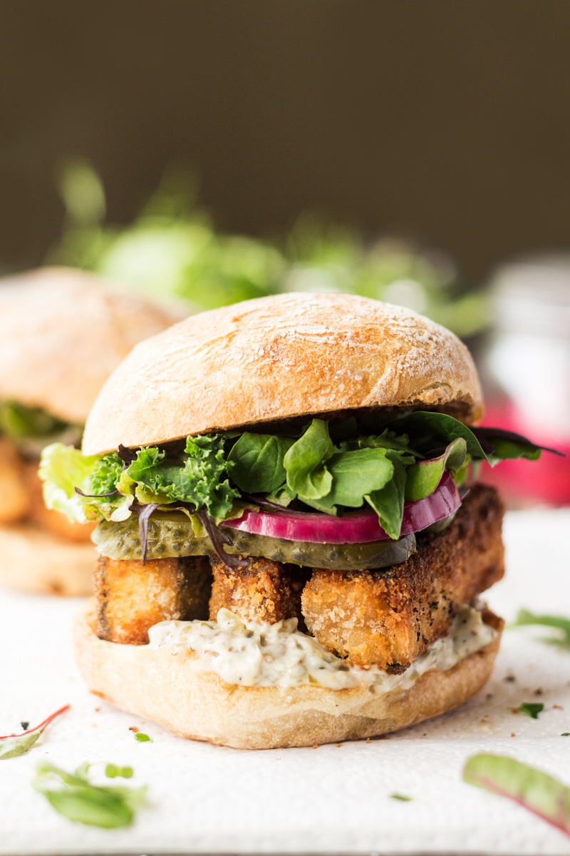 vegan fish finger sandwich