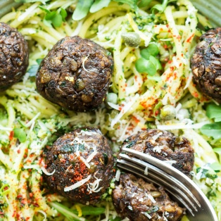 vegan meatballs lunch cut
