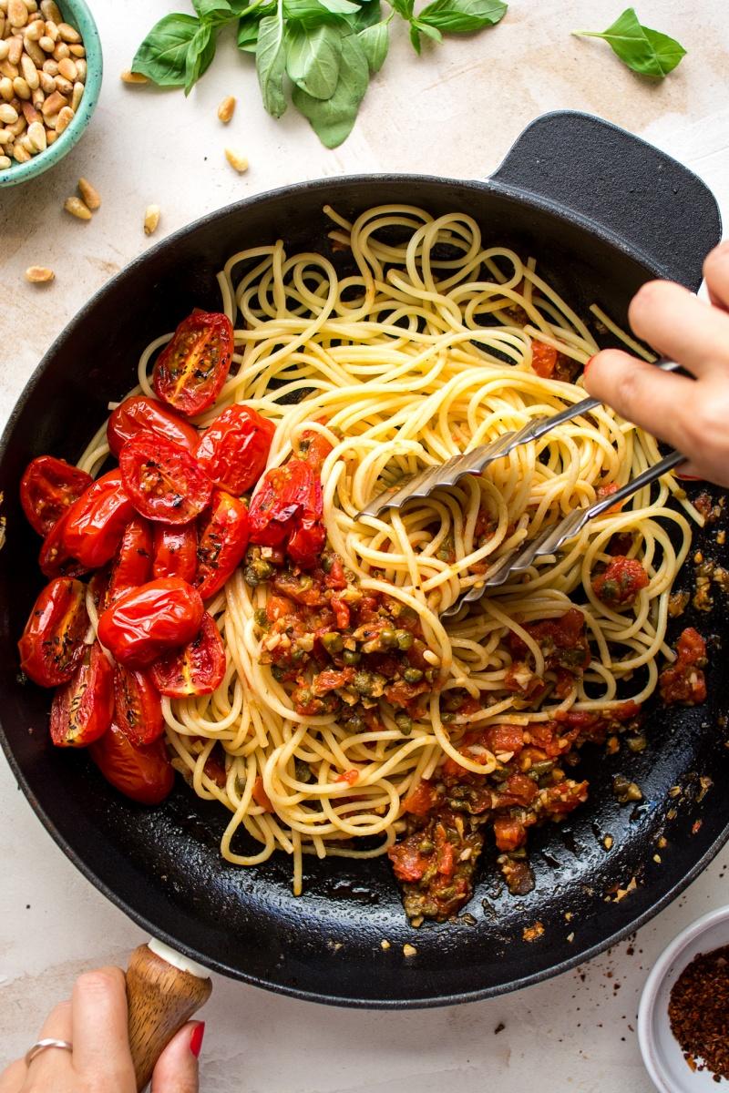 roasted tomato pasta pan