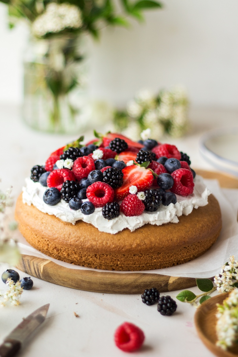 vegan sponge cream berries whole