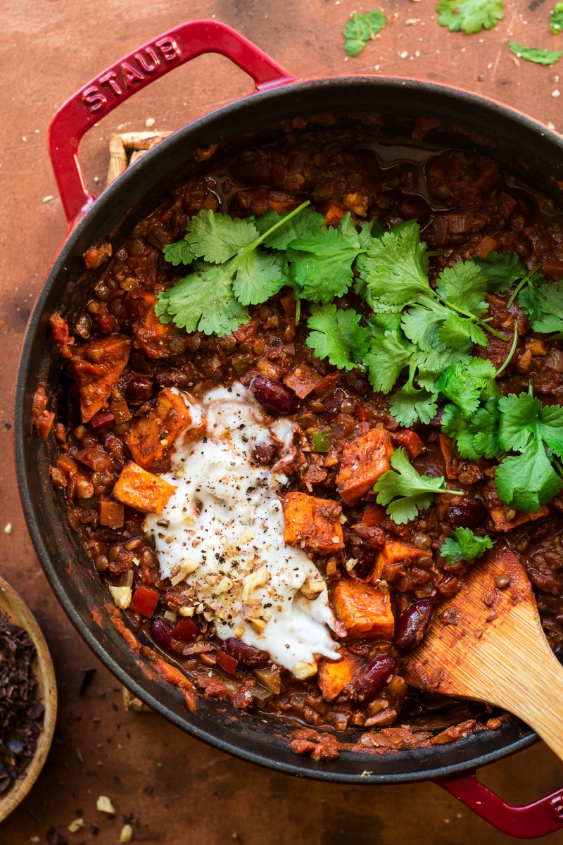 vegan lentil chilli pot