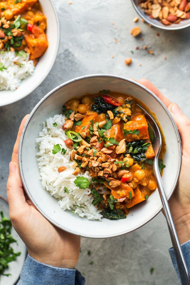 vegan peanut curry bowl