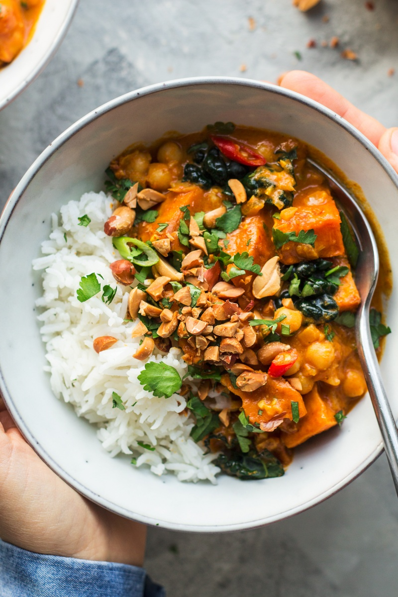 vegan peanut curry close