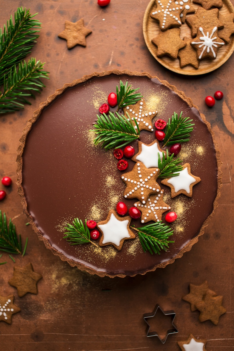 gingerbread amaretto chocolate tart styled
