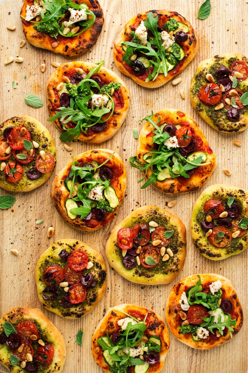 mini vegan pizzas board